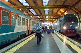 how to get from rome train station to airport