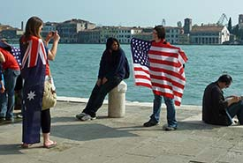 tour group on Zattere in Venice