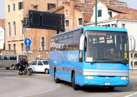 how to get from treviso airport to venice